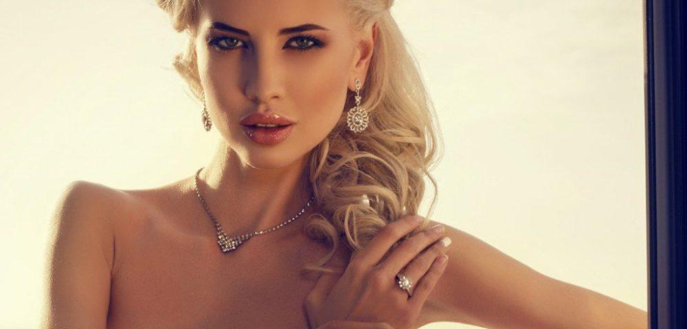 De ce femeile adora sa poarte bijuterii cu diamante? Articol dedicat barbatilor.