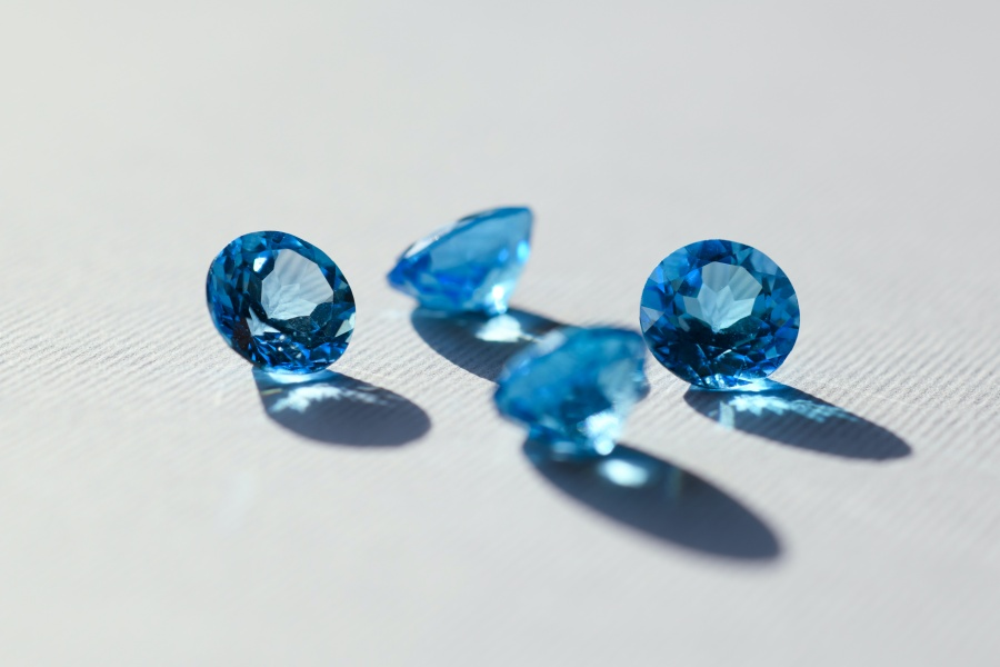 bijuterii cu topaz